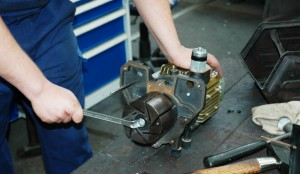 Reparatur einer Vakuumpumpe