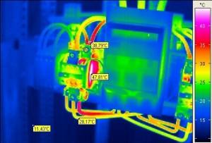Thermische Überlastung an einem Leistungsschütz